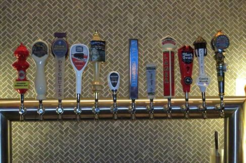 Smack Dab Manteo's Craft Beer Taps